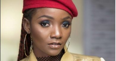 Simi Calls On Nigerians To Wake Up And Fight For A Better Nigeria