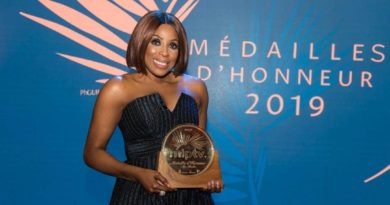 Mo Abudu-Medaille-Dhonneur-in-Cannes