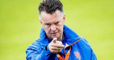 Van Gaal Singles Out Messi As The Main Problem Of Barcelona