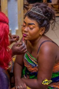 Lady-reveals-what-a-makeup-artist-did-to-her-sister-photos