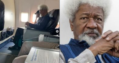 Young Nigerian Orders Wole Soyinka Out of His Flight Seat