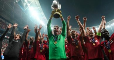 Adrian lifts Super Cup