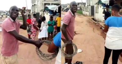 Man strips naked as PHCN tried to take away his power cable