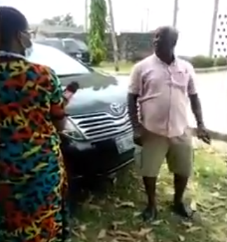 """""""Let Her Go And Die In My House"""" - Nigerian Dad Threatens To Take His Daughter Out Of An Isolation Center Over Poor Treatment (Video)"""