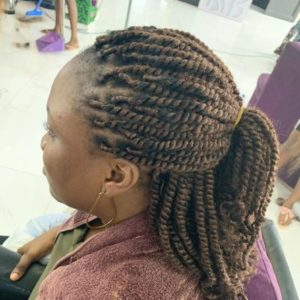 simple kinky twist