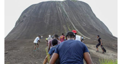 Hiker Dies After Falling Off A Mountain In Abuja (Video)