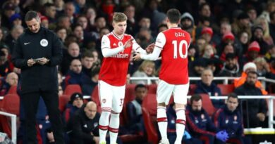 Ozil Singles Out Emile Smith-Rowe for Praise After Arsenal Records Three Straight Wins